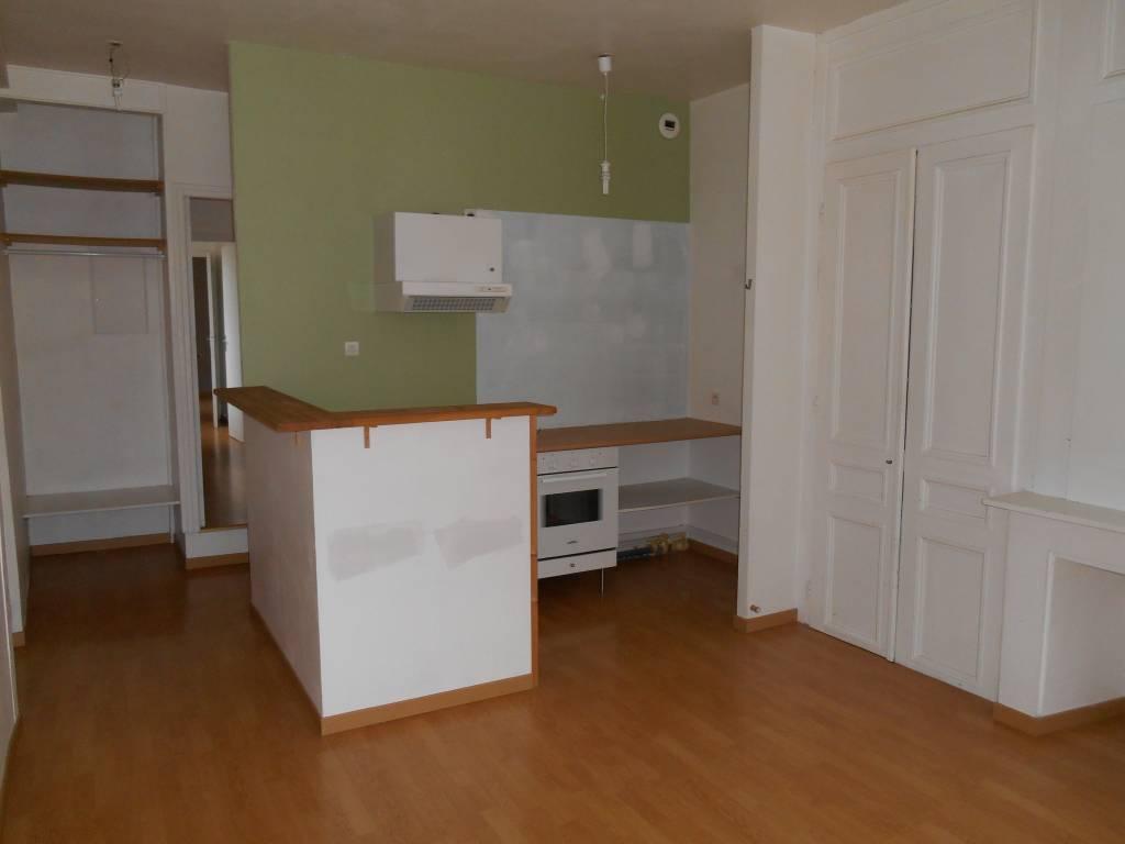 location appartement lille je ne m attendais rien et pourtant. Black Bedroom Furniture Sets. Home Design Ideas
